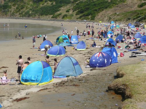 Busy day at Smiths Beach, Phillip Island