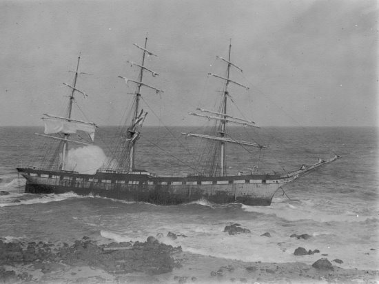 The SS Speke on the rocks at Kitty Miller Bay before breaking up.