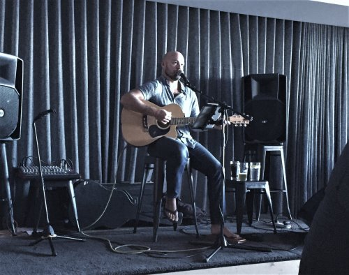 Local musician, Dan Lunn, performs at The Trumpet Bar, Phillip Island